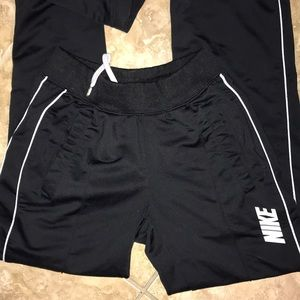 Nike sweats with pockets